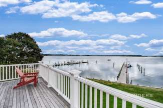 Turn-Key Harborfront with Dock, Pool and Guest House