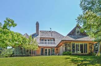 Shelter Island Wades Beach Hilltop Traditional