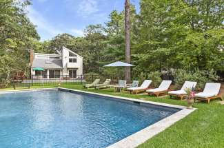 Clean East Hampton Contemporary with Pool and Tennis