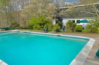 Shelter Island Mansard Cottage Close to Beach with Pool