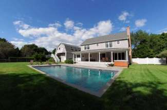 Spacious Shelter Island with Pool, Close Proximity to Beach