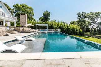 5 Bedroom Colonial with Infinity Pool and Waterfront Beach
