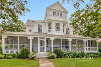 1887 Dering Harbor Village Victorian with Pool and Dock